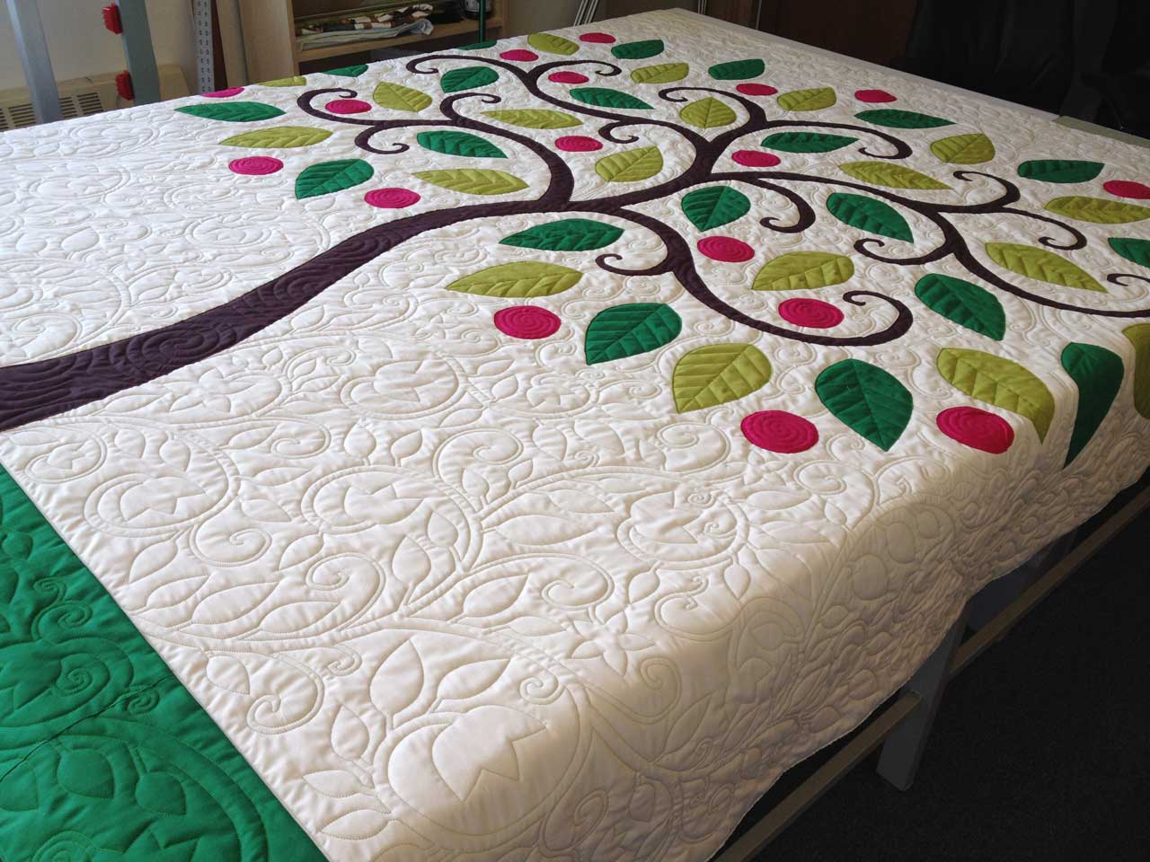 Applique designs for tablecloth - Tree Applique Quilt